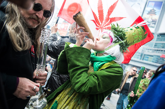 Canadians rally on 4/20 to legalize marijuana