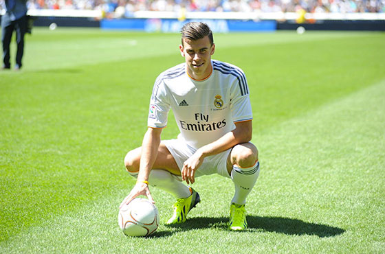 Gareth Bale Confirms Manchester United Move